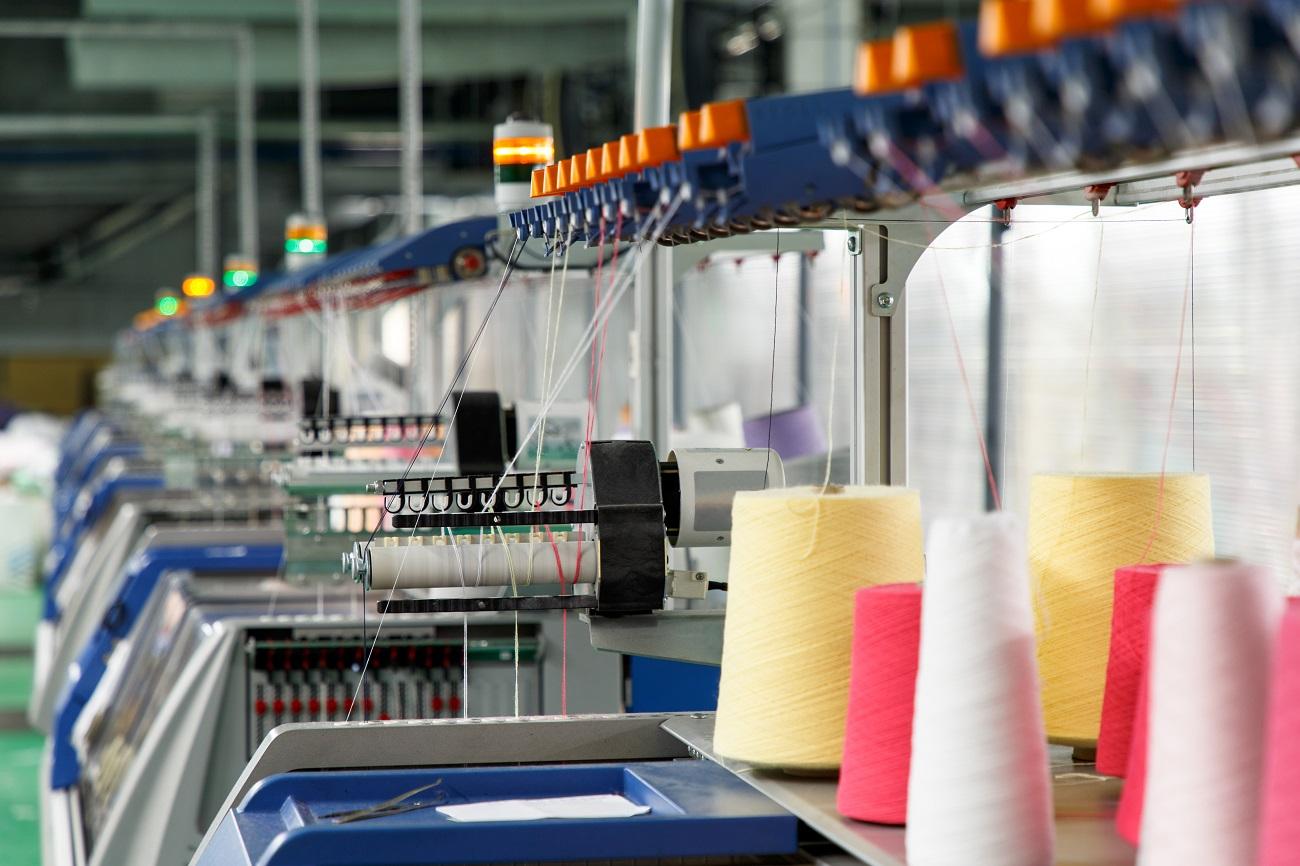 dovoz výrobných strojov z Číny na prácu s textilnými vláknami