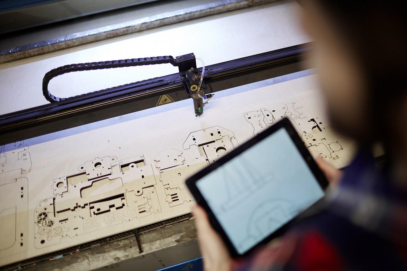 CNC laser z Číny_Infinity Standard