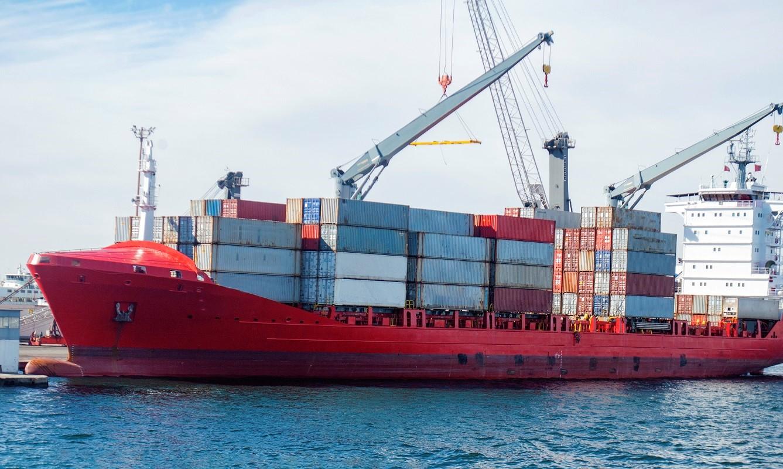 Zaseknutá kontajnerová loď spôsobila veľké problémy v medzinárodnej preprave tovaru z Číny a Ázie